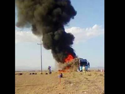 ایران سے واپس آنیوالی زائرین کی بس میں آگ لگ گئی،5 افراد جھلس کر زخمی