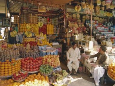 پھلوں کے بائیکاٹ کے دوسرے روز ہی فروٹ کے کاروبار میں 50فیصد کمی واقع ہو گئی ،پھلوں کی قیمتوں میں تاحال کوئی کمی نہیں ہوئی