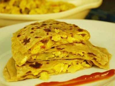 سحری میں یہ 10 کھانے کھا کر آپ دن بھر توانا رہ سکتے ہیں