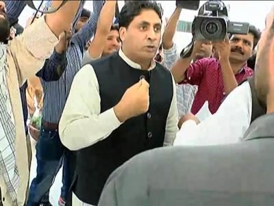 شیخ رشید کیساتھ جھگڑا کرنے والا ملک نور اعوان تھانہ سیکرٹریٹ میں پروٹوکول کے مزے لوٹتا رہا