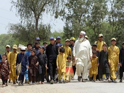 96 بچوں کے باپ 3 پاکستانی مرد