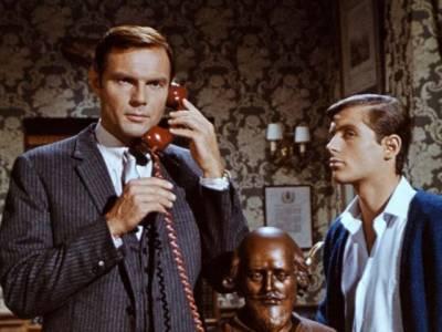 ٹی وی سیریل میں بیٹ مین کا کردار نبھانے والے ایڈم ویسٹ 88برس کی عمر میں انتقال کر گئے