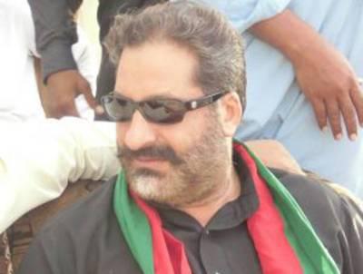 تحریک انصاف میں عطاءاللہ خان عیسیٰ خیلوی کی شہرت سے خوفزدہ پی ٹی آئی کے رکن اسمبلی نے ایسی حرکت کردی کہ کارکنان بھی حیران رہ گئے