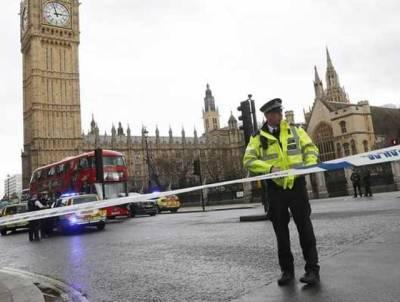 برطانوی پارلیمنٹ کے باہر مشتبہ شخص سے چھری برآمد ، ایوان کے دروازے بند