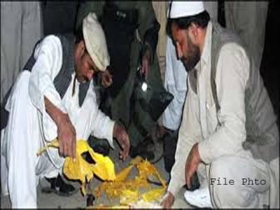 پشاور میں پولیس موبائل کو اڑانے کیلئے نصب بم ناکارہ بنا دیا گیا
