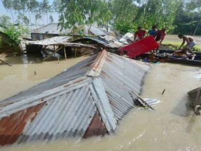 بھارت کے بعد بنگلہ دیش میں بھی بارشوں اور سیلاب نے تباہی مچا دی ،اتنی بڑھی تعداد میں ہلاکتیں ہو گئیں کہ گننا مشکل ہو گیا