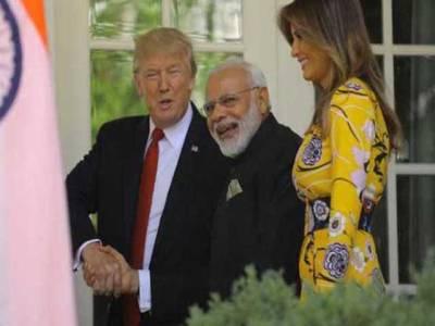 بھارتی وزیر اعظم نے امریکی صدر کی اہلیہ میلانیا ٹرمپ کو کشمیر کی ایک ایسی چیز تحفے میں دیدی کہ سب حیران رہ گئے ،اس کے علاوہ مودی ڈونلڈ ٹرمپ اور انکی اہلیہ کے لئے بھارت سے کیا چیزیں لے کر گئے ؟ساری تفصیلات سامنے آ گئیں