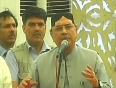 نوازشریف اور عمران خان کو جمہوریت کی قدر نہیں : آصف علی زرداری