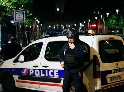 فرانس میں مسجد پر فائرنگ، ایک لڑکی سمیت8 افراد زخمی