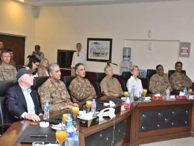 سینیٹر جان مکین کی قیادت میں امریکہ وفد کا دورہ جنوبی وزیر ستان، دہشت گردی کیخلاف جنگ میں پاکستان کی قربانیوں کا اعتراف: آئی ایس پی آر
