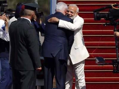 نریندرا مودی اسرائیل پہنچ گئے ،تل ابیب ائیرپورٹ پر اسرائیلی وزیراعظم کا اعلیٰ حکام کے ہمراہ شاہی استقبال ،ہندوستان اور اسرائیل فطری اتحادی ہیں:نیتن یاہو