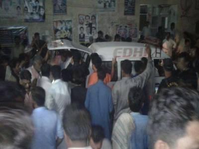 دادو ،مسافر وین اور ٹریکٹر ٹرالی میں تصادم،5افراد جاں ،7 زخمی