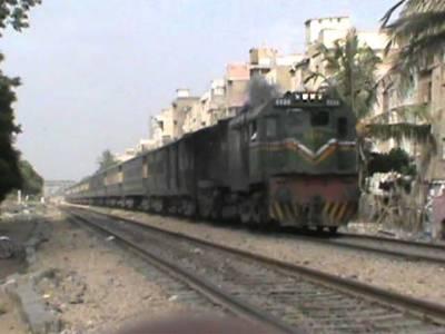 روہڑی اسٹیشن پر ٹرین کی بوگی پٹری سے اتر گئی