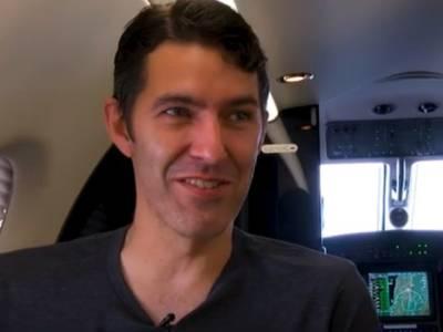 لاس ایجلنس کا وہ انجیئنر جو روزانہ اپنے دفتر جانے کے لئے ہوائی جہاز استعمال کرتا ہے ،آفس آنے اور جانے میں کتنے گھنٹے صرف ہوتے ہیں ؟جان کر ہی آپ ششدر رہ جائیں گے