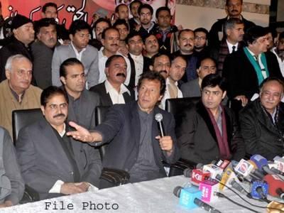 """""""خان صاحب!ناز بلوچ چھوڑ کر چلی گئیں""""پی ٹی آئی لیڈر نے یہ کہا تو عمران خان نے کیا جواب دیا؟"""