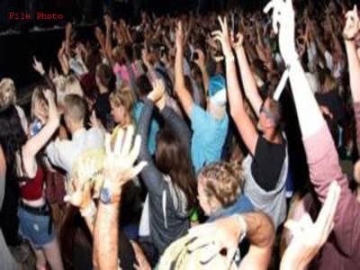 موسیقی میلے میں خوب رقص کریں لیکن کپڑے نہ اتاریں:کینڈین حکومت