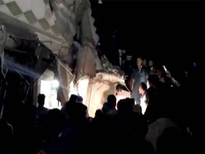 کراچی کے علاقے لیاقت آباد میں رہائشی عمارت گرنے سے 4افراد جاں بحق ، 9زخمی