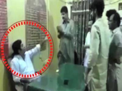 ایس ایچ او سے معافیاں منگوانے والا زید تالپور ضمانت خارج ہونے پر گرفتار