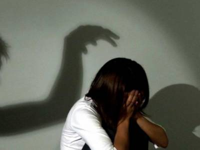 17 سالہ لڑکی کا 5افراد کی جانب سے گینگ ریپ، تھوڑے دن بعد گھر کے باہر چہل قدمی کررہی تھی کہ 2 رکشہ ڈرائیوروں نے گھیرلیا اور پھر۔۔۔ ایسی شرمناک ترین خبر آگئی کہ انسان کانپ اُٹھے