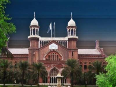 ظفر حجازی کو عہدے سے نہ ہٹانے پر وفاقی حکومت سے جواب طلب