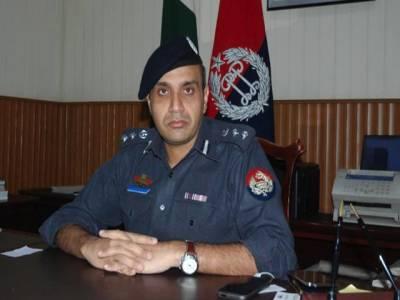 دھماکے میں پولیس کو نشانہ بنایا گیا ، اہلکار ناکہ لگانے کی تیاری کررہے تھے:ڈی آئی جی آپریشنز حیدر اشرف