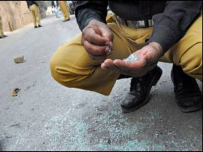 دہشت گردوں کی فائرنگ سے کراچی میں شہید ہونے والا ٹریفک پولیس اہلکار کون تھا؟ جان کر آپ کی آنکھیں بھی نم ہو جائیں گی
