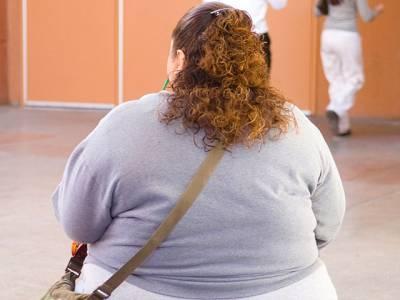 'پچھلے کچھ عرصے میں میرا وزن کئی کلو بڑھ گیا، وزن بڑھتے ہی میں نے دیکھا کہ مجھ سے بات کرتے ہوئے لوگوں کے رویے میں یہ تبدیلی آگئی ہے' اپنے وزن سے پریشان خاتون نے اپنا ایسا دکھ بتادیا جو صرف موٹے لوگ ہی سمجھ سکتے ہیں