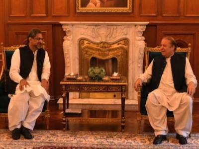 شاہد خاقان عباسی کی سابق وزیراعظم نواز شریف سے ملاقات، ملک کی موجودہ سیاسی صورتحال پر تبادلہ خیال