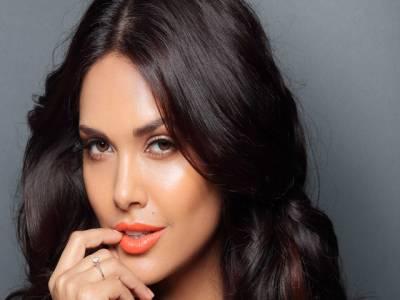 بالی ووڈ اداکارہ ایشا گپتا کا برہنہ فوٹو شوٹ، سوشل میڈیا پر ہنگامہ