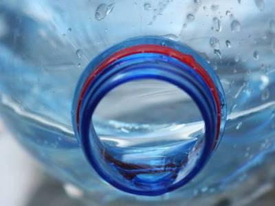 ملک میں بوتل بند پانی فرا ہم کر نے والی 11 برانڈز کے نمونے کیمیائی اور جراثیمی طور پر آلودہ قرا ر