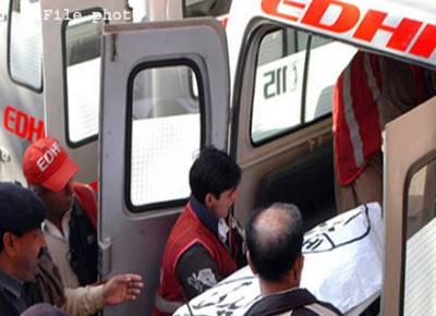 کراچی، پولیس کی گاڑی پر فائرنگ سے ڈی ایس پی اور گارڈ شہید
