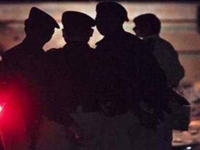 شہر قائد میں پولیس مقابلہ ، 2ڈاکوزخمی حالت میں گرفتار،اسلحہ بر آمد
