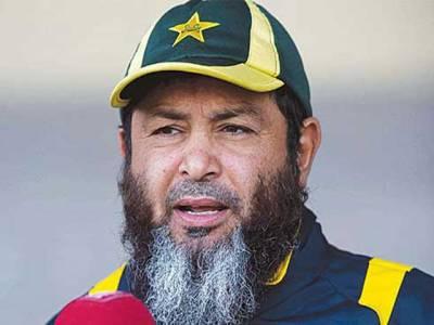 پاکستان کرکٹ ٹیم کے کوچ مکی آرتھر پر کرکٹر عمر اکمل کے الزامات ،ہیڈکوچ نیشنل کرکٹ اکیڈمی بھی میدان میں آگئے