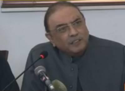 """""""کیا بلاول بھٹوآپ کی بات مانتے ہیں ؟""""صحافی نے آصف علی زرداری سے سوال کیا تو آگے سے سابق صدر نے ایسا جواب دے دیا کہ پریس کانفرنس میں موجود لوگوں کی ہنسی نکل گئی"""