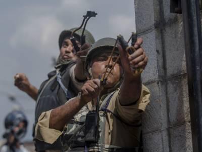 سرحد پر بھارتی اور چینی فوجیوں کے درمیان جنگ شروع لیکن میزائل یا گولی کی بجائے فوجیوں نے ایسا ہتھیار میدان میں اتار دیا کہ پوری دنیا دنگ رہ گئی، کسی کو ذرا بھی توقع نہ تھی کہ۔۔