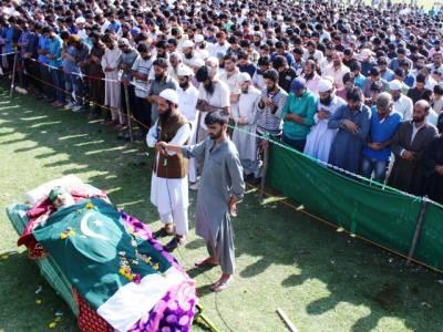 پر تشدد مظاہروں ،بندشوں اور مکمل ہڑتال کے باوجود ہزاروں افراد کی ایوب لون شہید کی نماز جنازہ میں شرکت ،قابض بھارتی فوج نے مزید 2 کشمیری شہید کر دیئے ،درجنوں زخمی