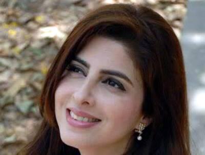 """""""عمران خان نے مجھے بھی نازیبا پیغامات بھیجے"""" عائلہ ملک بھی میدان میں آ گئیں لیکن ۔۔۔"""