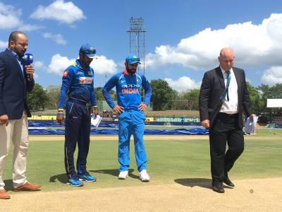 پہلا ون ڈے: بھارت کا سری لنکا کیخلاف ٹاس جیت کر بیٹنگ کا فیصلہ