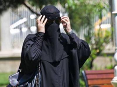 معروف نوجوان یورپی ماڈل اسلام قبول کرکے داعش میں شامل ہوگئی، یہ کون ہے اور پولیس نے تلاشی لی تو پاس سے کیا چیز مل گئی؟ ایسا انکشاف کہ ہنگامہ برپاہوگیا