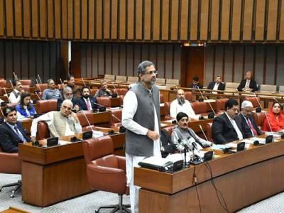 سینٹ اجلاس کی براہ راست کوریج میں پی ٹی وی کی غفلت، وزیر اعظم نے نوٹس لے لیا