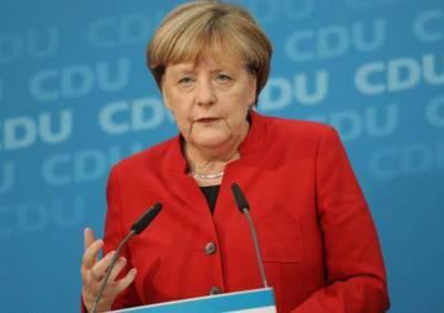 ترکی جرمن قیدیوں کو رہا کرے:انجیلا مرکل
