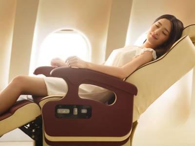 دوران سفر چاہے جتنی بھی سردی لگے آپ کو کبھی کسی بھی صورت جہاز میں اپنی سیٹ کے اوپر لگا اے سی بند نہیں کرنا چاہیے کیونکہ اس سے۔۔۔