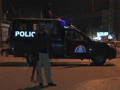 کراچی میں مبینہ پولیس مقا بلہ، وزیر داخلہ نے نو ٹس لیتے ہو ئے تحقیقات کا حکم دے دیا