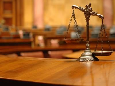 سینیٹرپری گل آغااورسابق وزیر راجہ بشارت کے خلاف فوجداری کارروائی کے لئے سیمل کامران عدالت پہنچ گئی