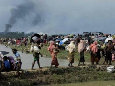 میانمار سے جان بچا کر فرار ہونے والے روہنگیا کی تعداد تین لاکھ ہوگئی