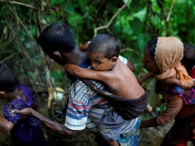 گزشتہ 2 ہفتوں کے دوران بنگلہ دیش پہنچنے والے 2 لاکھ روہنگیا مسلمانوں کو اس وقت کہاں اور کس حال میں رکھا گیا ہے؟ تفصیلات جان کر ہر مسلمان کانپ اُٹھے