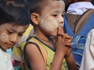 دنیا بھر میں پناہ گزین بچوں کے حوالے سے اقوام متحدہ نے ایسے اعدادو شمار جاری کر دیئے کہ آپ کی آنکھیں بھی نم ہو جائیں گی