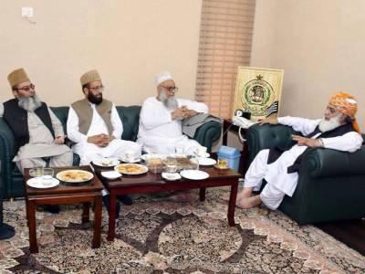 سینیٹر ساجد میر کی وفاقی وزرا کے ہمراہ مولانا فضل الرحمن سے ملاقات ،مولانا ابوتراب کی بازیابی کے حوالے سے تفصیلی مشاورت