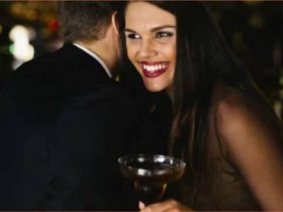 'جو مَرد زیادہ مسکراتے ہیں، خواتین اُن کے بارے میں سوچتی ہیں کہ۔۔۔' سائنسدانوں کا ایسا انکشاف کہ جان کر مَرد مسکرانا چھوڑ دیں گے