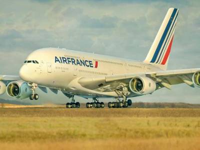 جدید مسافر جہاز A380 ہوا میں ٹکڑے ٹکڑے ہو گیا اور پھر ۔۔۔ انتہائی خوفناک واقعہ جسے سن کر ہی انسان ہوائی سفر سے ڈر جائے